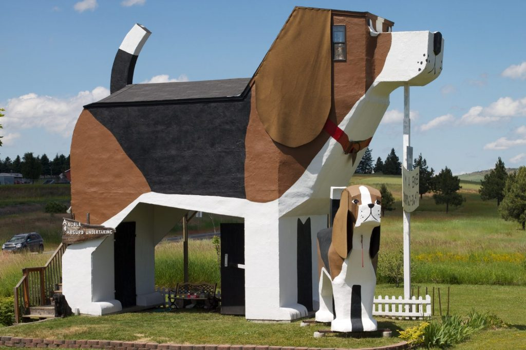 Dog Shaped House in Idaho